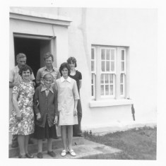 Rear. L-R. Tommy and Matt Thornton, Paul Finnegan [Ellen's son] Front. L-R. Anne Morrisey [ Ellen's Sister}, Mary Thornton and Ellen Finnegan | Paul Finnegan