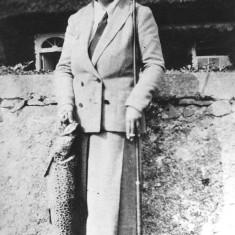 Lily Willis, Gurthreeva 1898-1984