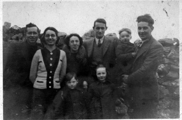 Tom O'Connor, Julia O'Connor, Winifred (O'Connor) Faherty, Edward Faherty, Johnny O'Connor with his nephew Lal Faherty in his arms. Padraig Faherty & his sister Mary in the front row | Padraig Faherty