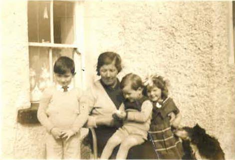 Gerard, Stephen & Mary Kinneavy with their Aunt Kathleen Gannon (late 1950's)