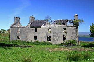 Mons Family Home (as a ruin) C 2005