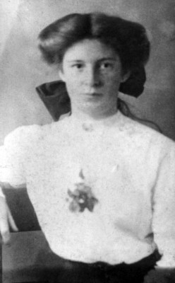 a young Mary Kate Walsh (née Naughton)
