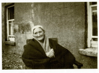 Honor Mons (nee Lydon) wife of James Mons at Glann C 1927