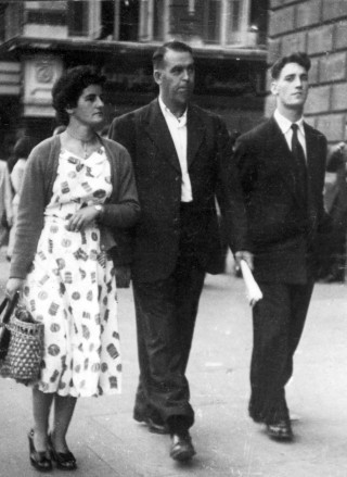 1956 O'Connel St. Dublin. Nuala and Harry Walsh with Johnny Walsh for Guarán, Oughterard